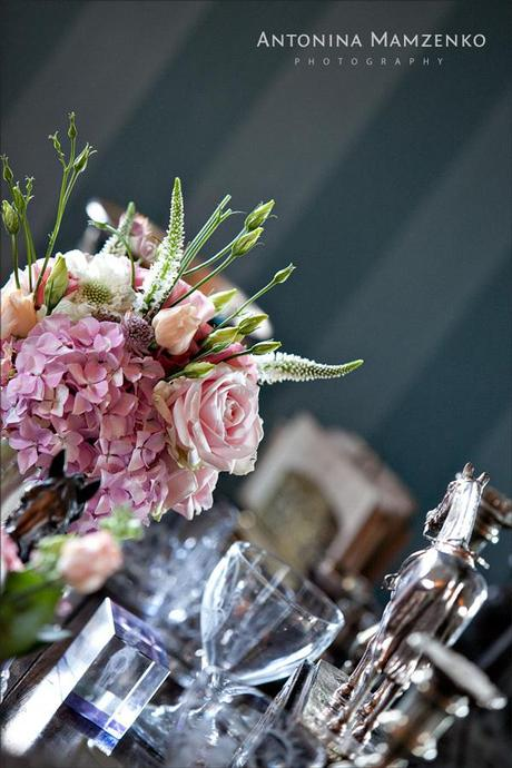 Beautiful vintage styled flowers on the wedding table