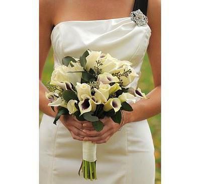 The Wedding Brooch