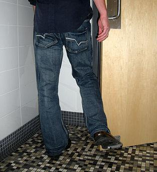 Toepener - Hads-Free Foot Door Opening Solution