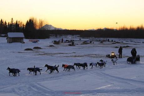 2011 Iditarod: Sebastian Schnuelle Out In Front Through Anvik