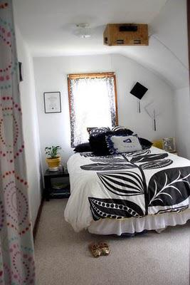 Gorgeous but small bedrooms that are creative with space