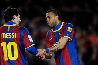 The Importance of Dani Alves to Barcelona's System