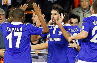 Raul Scores to Earn Schalke 04 a 1-1 Draw Away To Valencia