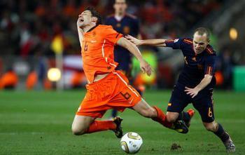 Mark van Bommel Joins AC Milan In Free Transfer