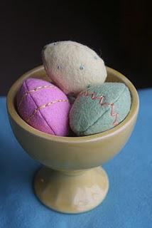 Play Eats: Beautiful Felt Eggs