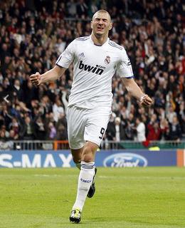 Real Madrid Knock Out Lyon 3-0 at the Santiago Bernabeu
