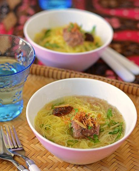Bihun Sup (Rice Vermicelli in Beef Broth)