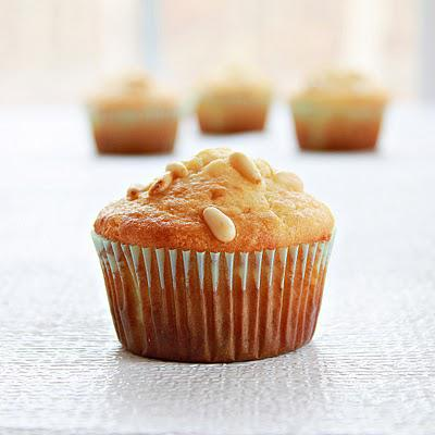 Honey pine nuts muffins