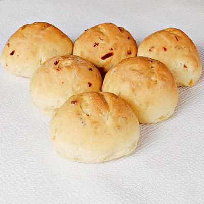 Yellow onion dinner rolls