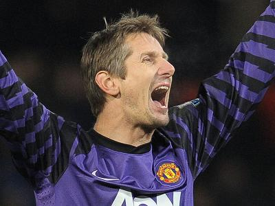 Super van der Sar is Man of the Match, Bolton headed for Wembley