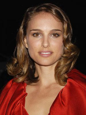 'Black Swan' producers defend Natalie Portman