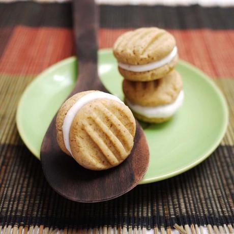 Cappuccino Meringue Cookies