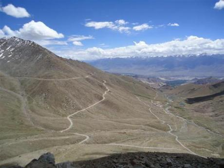 The Khardung-la Clamber (5600m so they say!)