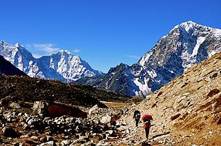 Himalaya 2011: Teams Arriving In Everest Base Camp, Icefall Route Complete