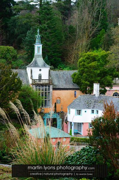 Real wedding in Portmeirion (sounds Welsh, looks Italian…)