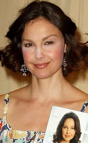 Untitled 5 copy Makeup Malfunction: Ashley Judd