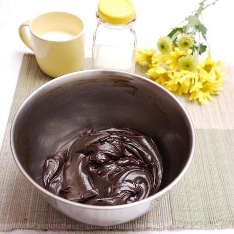 Moist Devil's Foodcake w Mrs Milman's Chocolate Frosting