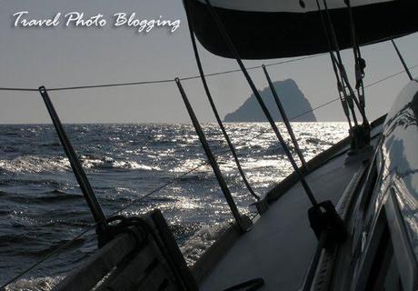 Sailing to Jabuka island