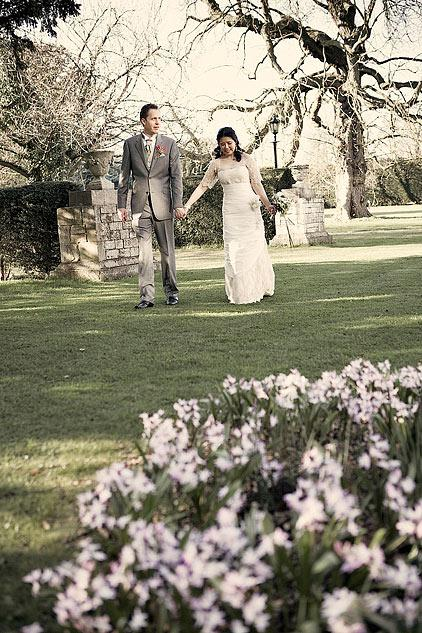 Gorgeous spring wedding in an ancient English castle