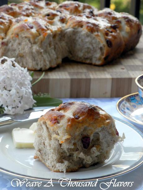 An Easter Delight ~ Pull-Apart Hot Cross Buns with Apricot ...