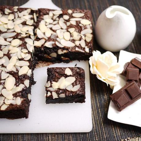 Almond Brownies With Sliced Cheddar