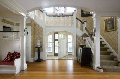 Entryways and staircases - basics that should not be ignored