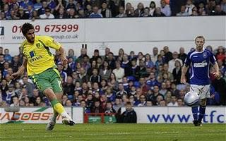 Norwich Hammer Ipswich in East Anglian Derby