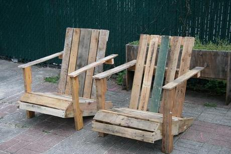 Trash to Treasure: Re-Imagining Your Waste {Pallets}