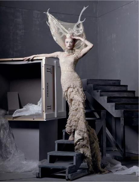 Alexander-the-great-by-steven-meisel-for-vogue-us-may-2011-01-1