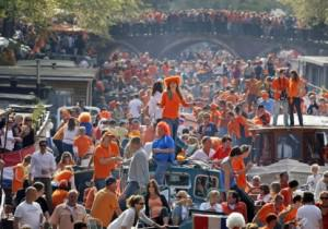 Oranje fever for Queen's Day in Amsterdam