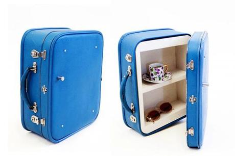 Recreate-suitcase-cupboard-st403-blue-colleen-caravelle-open-600x400_rect540