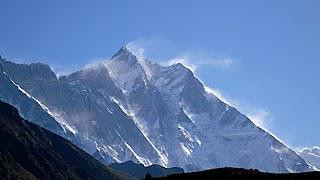 Himalaya 2011: Climber Reportedly Dies On Everest