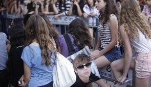 Justin's Fans outside Tel Aviv hotel