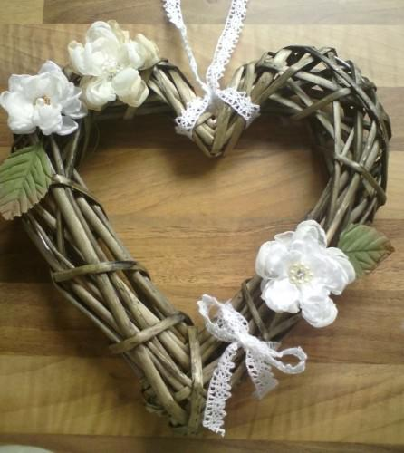 Flowers, wreaths and corsages..
