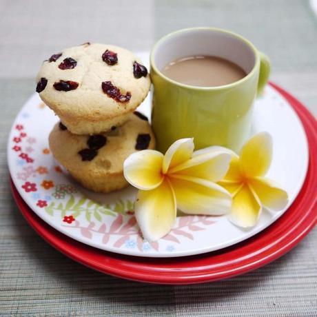 Cranberry Almond Yoghurt Cupcakes