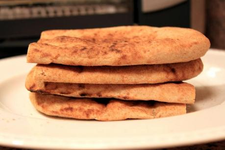 Curried Chickpea and Quinoa Flatbread - Paperblog