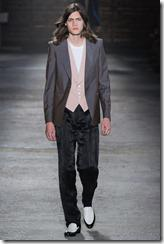 Alexander McQueen Menswear Spring Summer 2012 Collection Photo 16