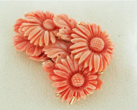 14K Yellow Gold Coral 3 Flower Carved Pin