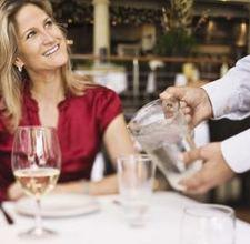 The 10 Rules of Restaurant Etiquette/ How to treat your servers