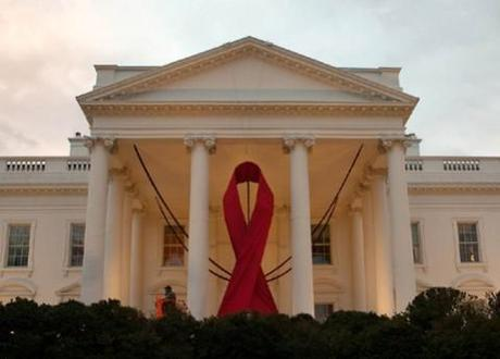 US presidents come together for World AIDS day; Obama pledges $50 million in fight against disease