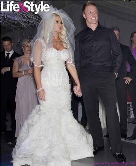 Kim Zolciak ties the knot with three bridal outfits!