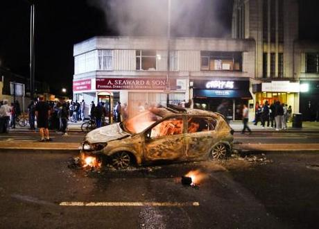 Guardian report says anger at police was a major cause of the summer riots in England