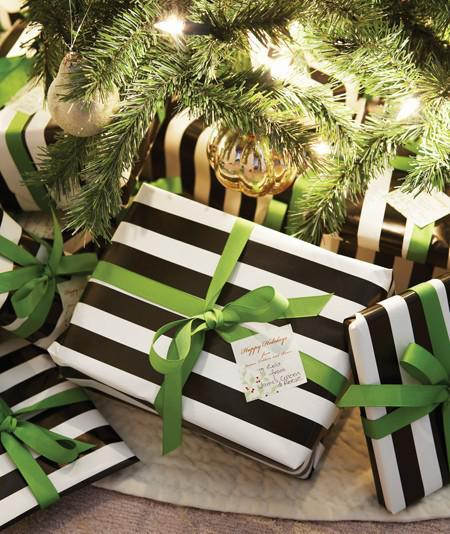 HOLIDAY INSPIRATION: Black/White/Green
