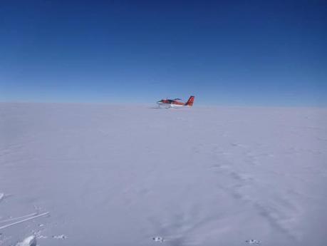 Antarctica 2011: Teams Chase Amundsen To The Pole