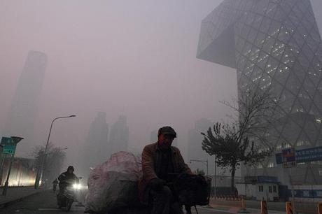 """Pollution in Beijing Reaches """"Beyond Index"""" Levels"""