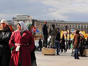 G̶y̶p̶s̶i̶e̶s̶ R̶o̶m̶ Romanians Paris