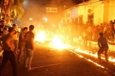 Fire on the streets of Nejapa **