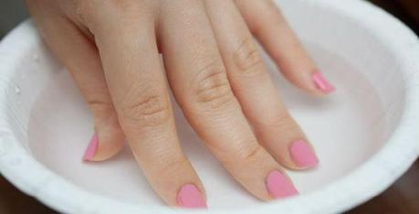 Remove Your Nail Polish without Using Acetone