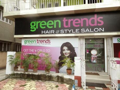 Beauty Trends for Durga Puja + New Facials from Green Trends Salon + My New Haircut!