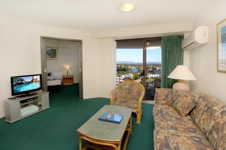 1 Bedroom Suite Lounge 2